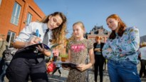 Kinderen ontmoeten acteurs 'De Buurtpolitie' dankzij actie rond verkeersveiligheid