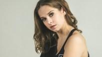 """Laura Tesoro (23) komt vijf jaar na 'The Voice' met debuutplaat: """"Hoe oud je ook bent als artiest, je gaat er altijd in met de billen bloot"""""""