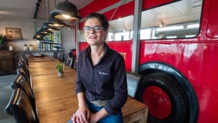 Befaamde snackbar De Bus verhuist noodgedwongen naar nieuwe plek in haven