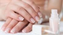 Terug van weggeweest: de French manicure