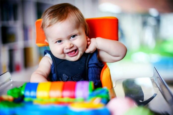 """Medicijn voor baby Pia levert bedrijf Novartis grote winst op: """"Dit is dus rijk worden op de kap van de zieken"""""""