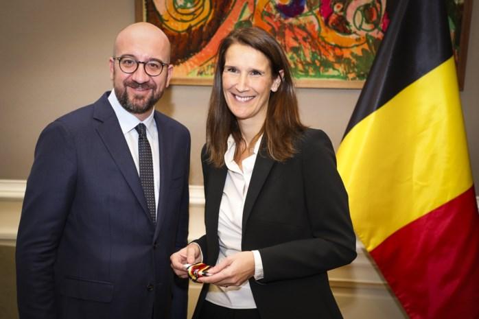 """Wat kan nieuwe premier Sophie Wilmès eigenlijk doen? """"Haar macht is heel beperkt"""""""