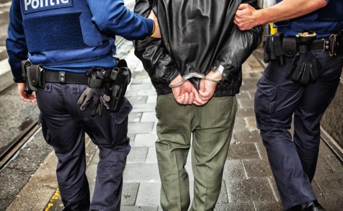 Man slaat op de vlucht omdat politie hem wil arresteren (maar wordt toch opgepakt)