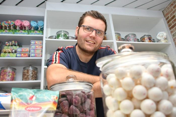 Jeroen opent authentieke snoepwinkel zoals Kotmadam (mét ook sterke drank voor ouders)