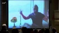 Tom Waes doet hele zaal lachen met vuile mop ter ere van 'Wielemie' op afscheidsviering