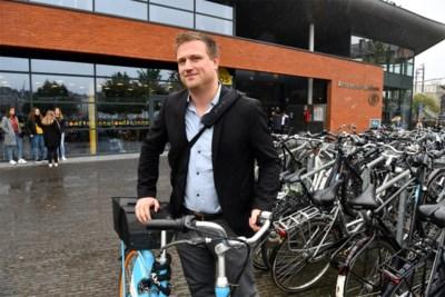 """Deze commercieel directeur verplaatst zich met openbaar vervoer en deelsystemen: """"Ik heb bedankt voor een auto van het bedrijf"""""""