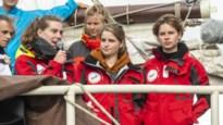 """Pech voor Anuna De Wever: al 4 weken met boot onderweg naar klimaattop in Chili, maar die is nu afgelast """"Geen verloren missie"""""""