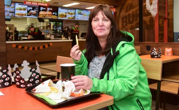 """Krista, de allereerste klant van Burger King Zandhoven: """"De burgers in Amerika zijn wel groter"""""""