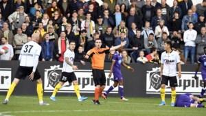 1B-clubs Westerlo, Beerschot en Virton vervolgd omdat supporters bierbekers op het veld gooiden