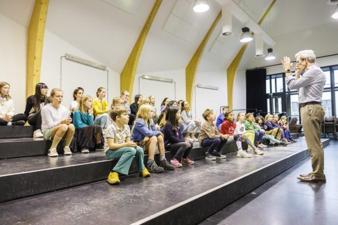 """Ex-lid Kinderkoor Opera Vlaanderen staat eenmalig weer op het podium: """"Zalig dat ik samen met mijn echtgenoot mag zingen"""""""