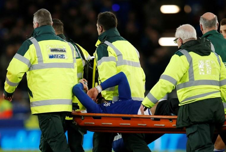 Horrorblessure in de Premier League: voet van André Gomes staat volledig verkeerd, publiek in shock