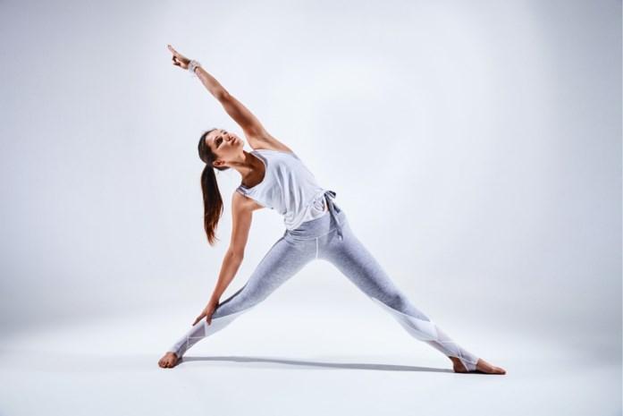 """""""Let op voor heupproblemen door te veel yoga"""""""