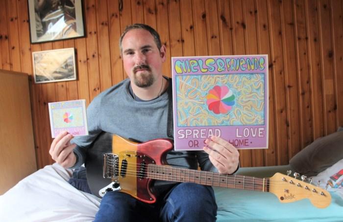 """Niels & Friends stelt derde album 'Spread Love or Stay Home' voor in kunstencentrum Nona: """"Het beste tot nu toe"""""""