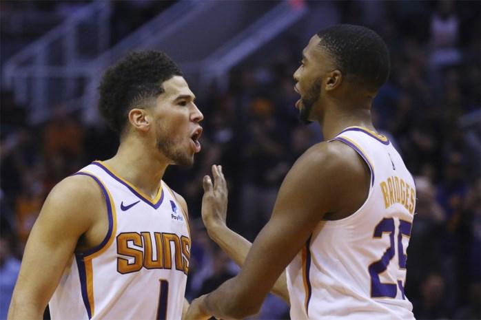 NBA. Devin Booker gaat los en Philadelphia is zijn ongeslagen status kwijt, Golden State wint nog eens