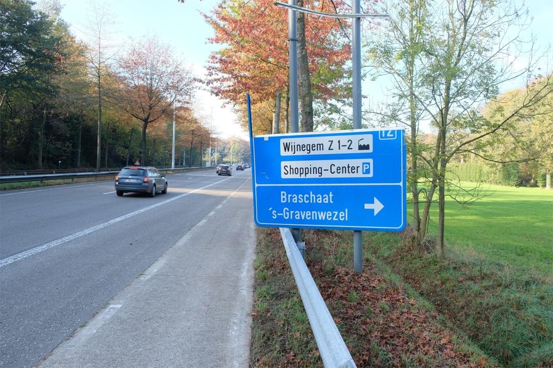 Wegwijzer staat er al jaren met spelfout (Wijnegem) - Gazet van Antwerpen