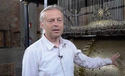 Stadsbeiaardier laat nieuwe muziek uit Sint-Gummarustoren klinken