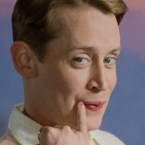 'Home Alone'-ster Macaulay Culkin duikt op in kerstreclame