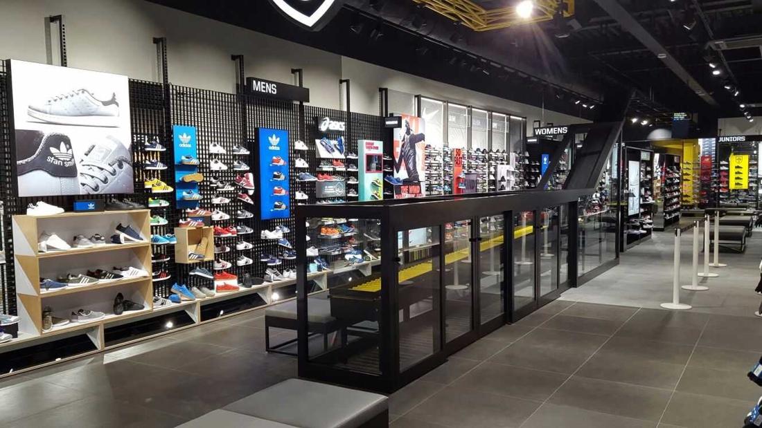 Sneakerwinkel JD Sports vanaf nu ook in Wijnegem - Gazet van Antwerpen