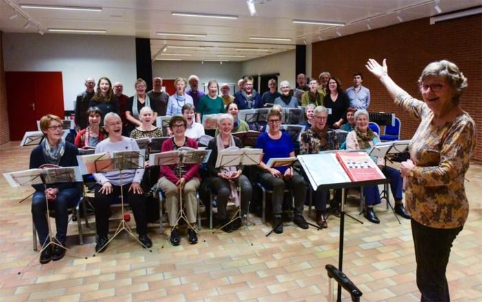 Sint-Martinuskoor trakteert met Martini na concert