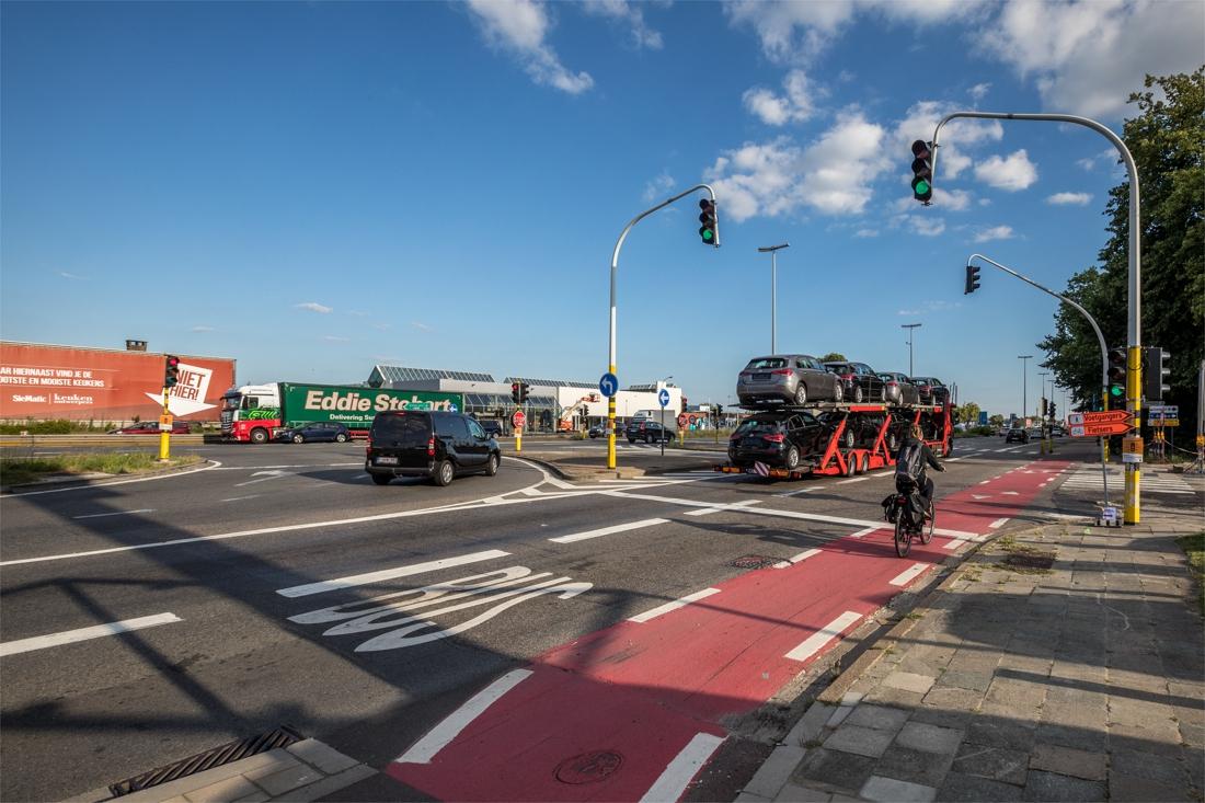 Extra opstelstroken op A12 moeten verkeersdruk verlichten, s... (Aartselaar) - Gazet van Antwerpen
