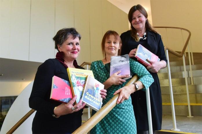 """Drie Turnhoutse auteurs over schrijven en lesgeven: """"Je verliezen in een boek is moeilijk als je tegelijk op je smartphone zit"""""""