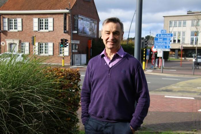 Ex-burgemeester maakt doorstart met beddenwinkel vlak naast gemeentehuis