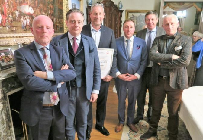"""Gert Verhulst en Hans Bourlon krijgen cultuurprijs: """"Dam opgeworpen tegen Engelstalig kindervermaak"""""""