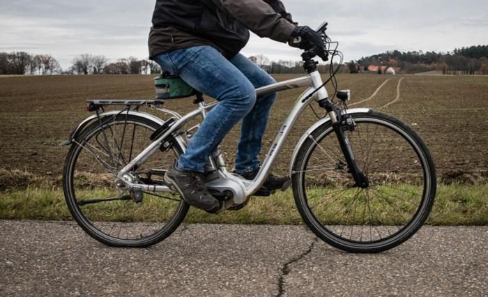 """Provincie wil veiligheid fietspaden verhogen: """"Pas wegcode aan voor snelle elektrische fiets"""""""