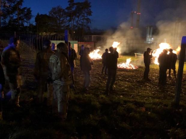 Brandweer rukt uit voor vreugdevuren in Olen