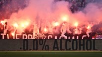 Biergooiers en pyro verpesten Antwerp-Club Brugge: match even stilgelegd