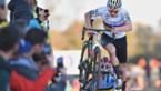 Van der Poel voor de derde keer op rij Europees kampioen na tactisch steekspel met Iserbyt