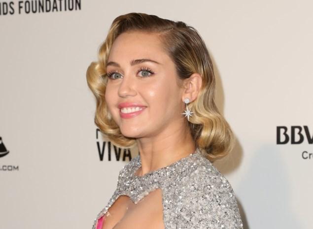 """Zal Miley Cyrus ooit nog hetzelfde kunnen zingen? """"Ze is met spoed geopereerd aan haar stembanden"""""""