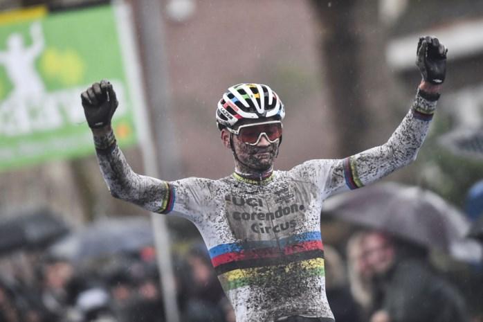 Mathieu van der Poel overklast in Niel andermaal de tegenstand, Laurens Sweeck tweede