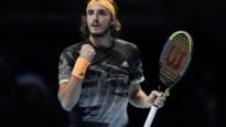 Stefanos Tsitsipas opent met zege tegen Daniil Medvedev op ATP Finals
