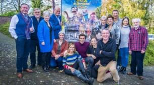 Acteurs kijken samen naar nieuwe Kampioenen-film: patatten, saucissen én Julie Vermeire