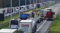 E19 richting Antwerpen meer dan zes uur versperd door ongeval in Brecht