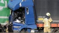 E19 richting Antwerpen volledig versperd door ongeval in Brecht