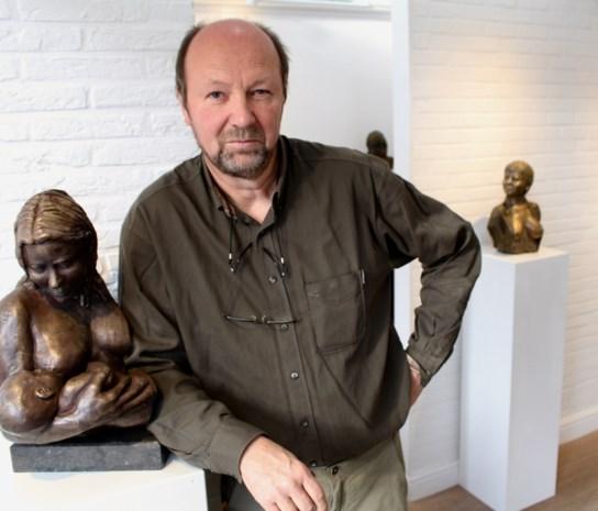 """Dokter op rust toont beelden in kunstgalerie Arttilia: """"Altijd al gefascineerd geweest door het menselijk lichaam"""""""