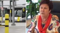 """Rita Coeck, de Antwerpse die al jaren de bussen op stal houdt: """"De toestand was nog nooit zo dramatisch als nu"""""""