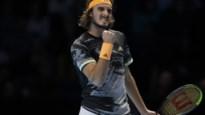 Tsitsipas bereikt halve finales op ATP Finals na zege tegen titelverdediger Zverev