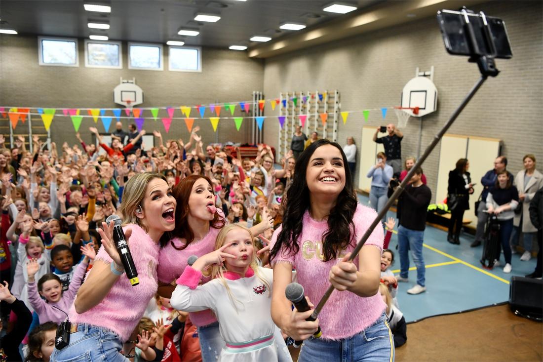 K3 vervult wens van Annelie (6) met groot dansfeest in Sint-Cordulaschool - Gazet van Antwerpen