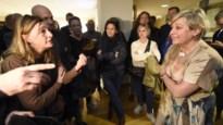 """Cultuursector protesteert aan Vlaams Parlement tegen besparingen, Jambon wil """"in debat gaan over de opdeling"""""""