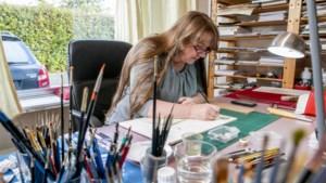 Prisca ontwerpt adel- en wapenbrieven voor edelen en gewone mensen