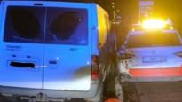 Dronken chauffeur botst tegen politiewagen