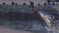 Britse 'Iron Man' haalt 138 kilometer per uur met zelfgemaakte jetsuit