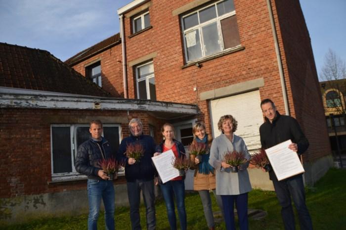 CD&V pleit voor afbreken verwaarloosd huis naast bieb om er groen stekje van te maken