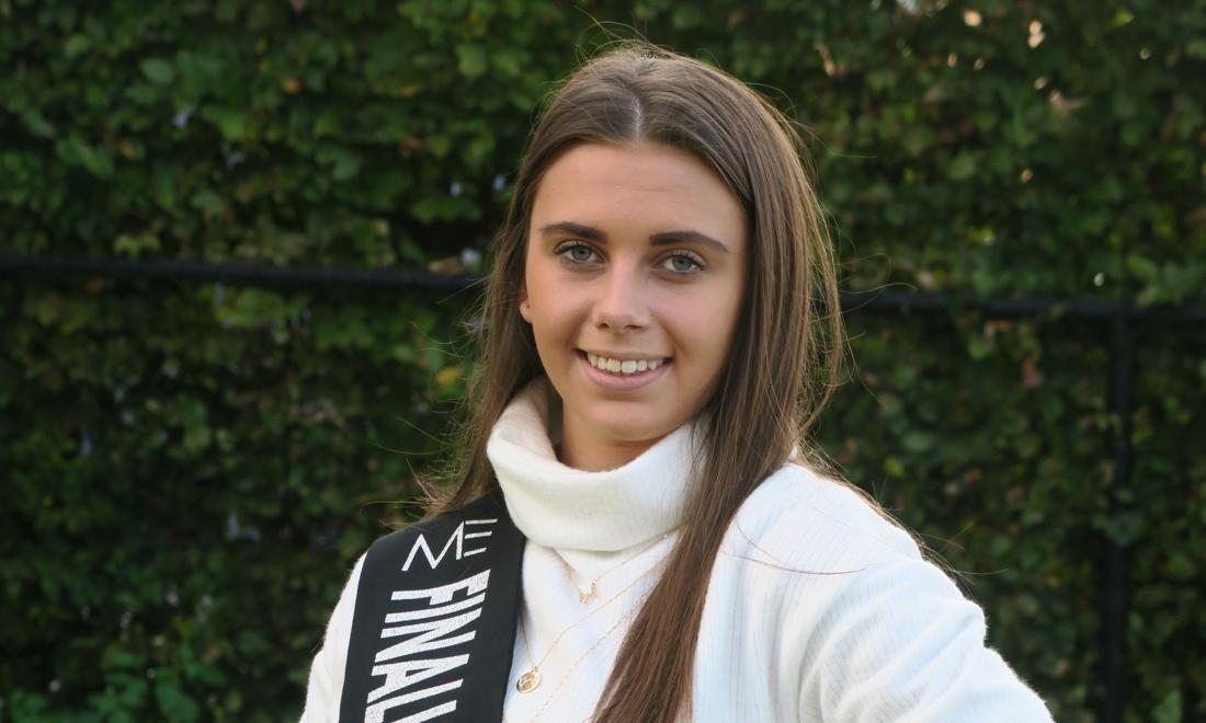 """Tatjana (18) doet gooi naar kroontje Miss Exclusive: """"Dolgelukkig dat ook ik met mijn 1,5 meter een kans krijg - Gazet van Antwerpen"""