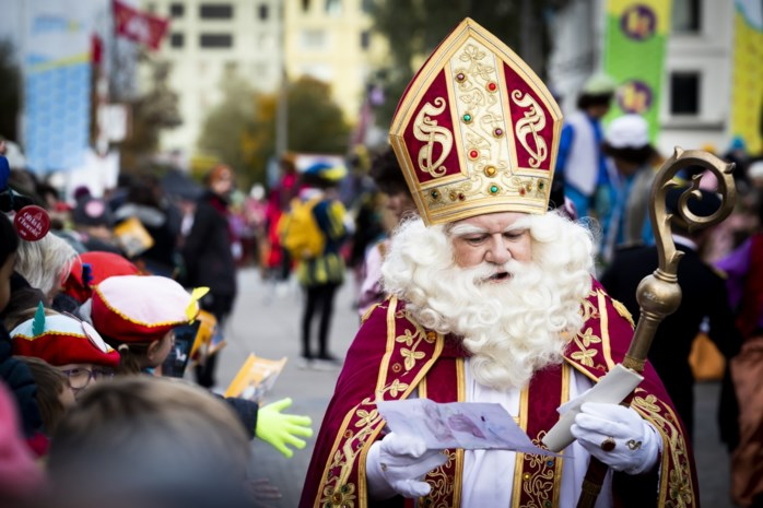 """Sint ziet in Antwerpen geen stoute kindjes: """"Ik ben altijd braaf, ik zal mijn pop dus wel krijgen"""""""