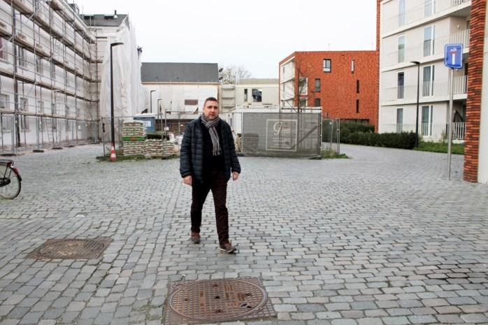 """Bewoner wijk Looks klaagt parkeerprobleem aan: """"De situatie wordt elk jaar erger"""""""