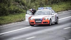 Politie controleert aan de grens: acht kilo wiet en 56.600 euro cash aangetroffen